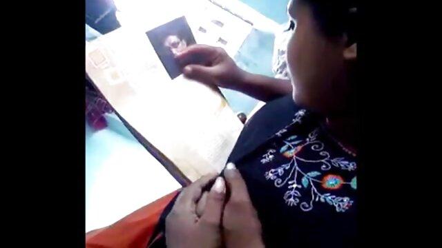 زن جوان دانلود فیلم سوپر کم سن یک گوزن بزرگ را وارد می کند