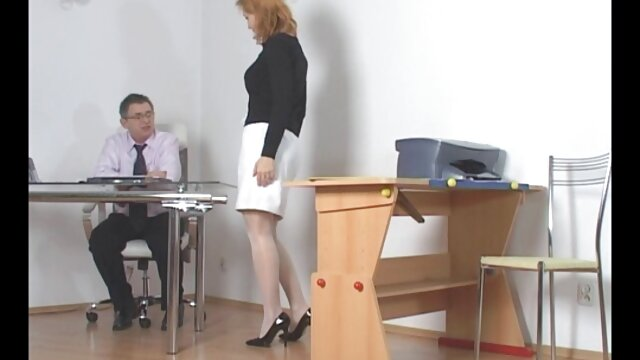 خانم جوان توسط متخصص زنان معاینه دانلود فیلم داستانی سوپر می شود