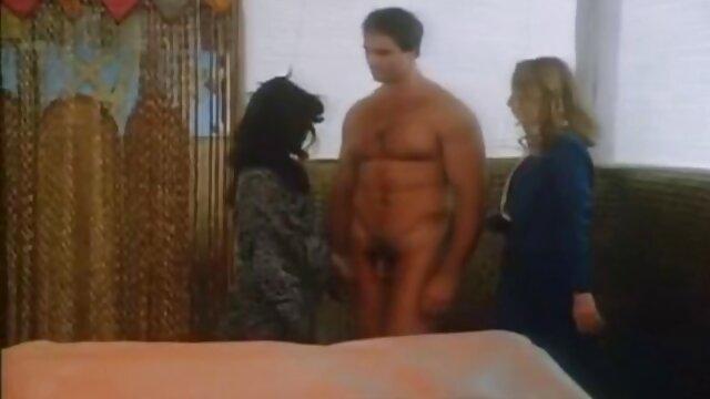 پورنو خیره کننده هیتومی اوکی روی دانلود فیلم سوپر زن با زن کاناپه در 69 کام